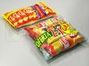 Empacado de agrupación de bolsas de papas fritas en flow pack