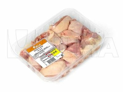 Empacado de alitas y muslos de pollo en termosellado con atmósfera modificada (MAP)